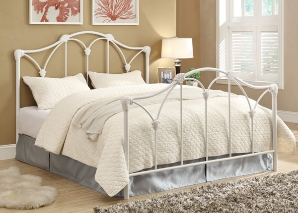Traditional White Metal Queen Size Headboard/Footboard CST-300257