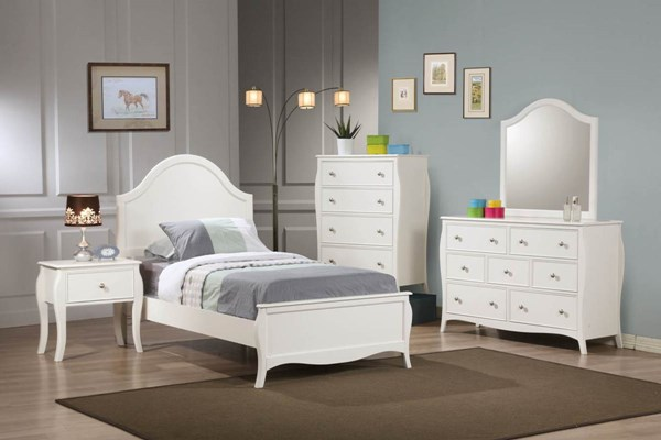Dominique White Wood Master Bedroom Set CST-G400563
