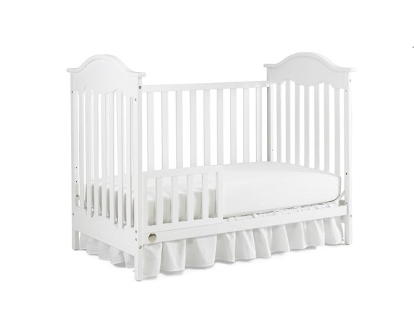 Fisher Price Charlotte Snow White Traditional Cribs with Guard Rail FSRP-127503-189933-CRB-VAR
