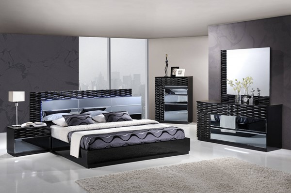 Manhattan Black Gloss MDF Wood 2pc Bedroom Set W/Queen Platform Bed GL-MANHATTAN-961-M-BR-S2