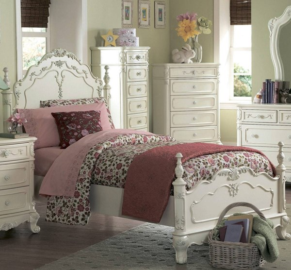 Cinderella Traditional White Wood Queen Poster Bed HE-1386-1