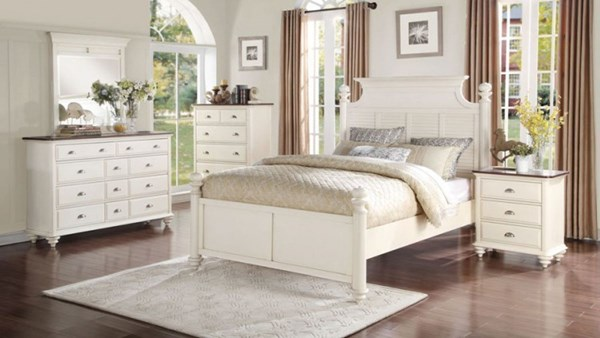 Floresville Traditional Antique White Wood Master Bedroom Set HE-1821-BR