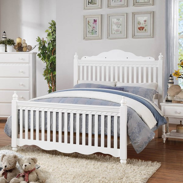 Emmaline Traditional White Wood Full Bed HE-2019FW-1