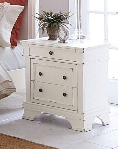 Derby Run Traditional White Wood Night Stand HE-2223W-4