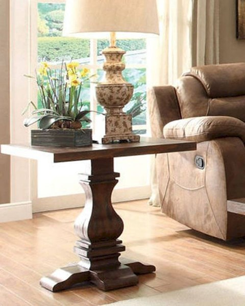 Marie Louise Traditional Brown Wood End Table HE-2526-04