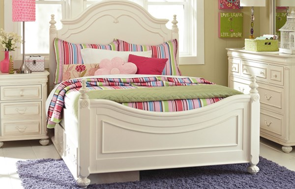 Charlotte White Wood 2pc Bedroom Set W/Full Low Poster Trundle Bed LGC-3850-4204K-9500-SET