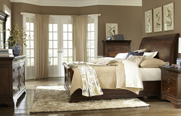 Irving Park Traditional Brandy Wood 5pc Bedroom Set w/Queen Sleigh Bed LGC-4100-BR-S1