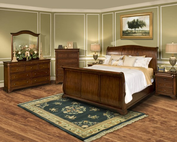 Whitley Court Tobacco Poplar Basswood Veneers Master Bedroom Set NCF-00-002-BR