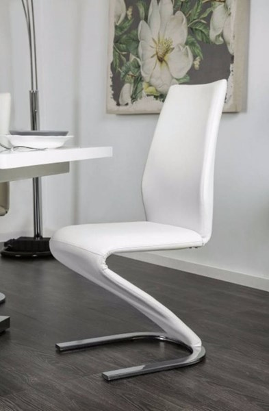 2 Homeroots White Lacquer Metal Z Shaped Side Chairs OCN-301281