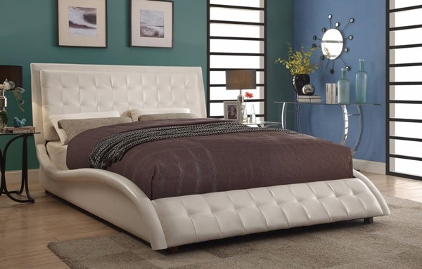 HomeRoots White Leather Soothing Upholstered Queen Bed OCN-309369