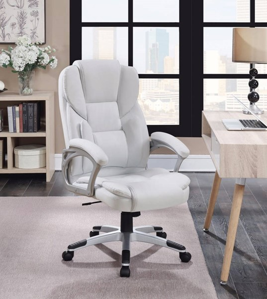 Homeroots White Leather Executive High Back Chair OCN-309605