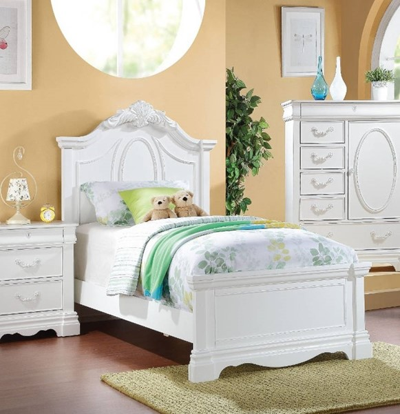 HomeRoots White Pine Wood Twin Bed OCN-313805