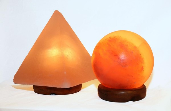 Home Roots Sphere Shaped Pyramid Himalayan Salt Lamp OCN-318004