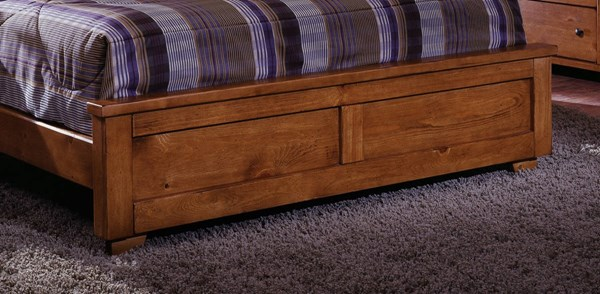 Diego Casual Cinnamon Pine Wood Queen Footboard PRG-61652-35