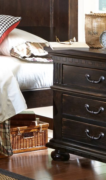 La Cantera Traditional Tobacco Solid Wood Nightstand PRG-P665-43