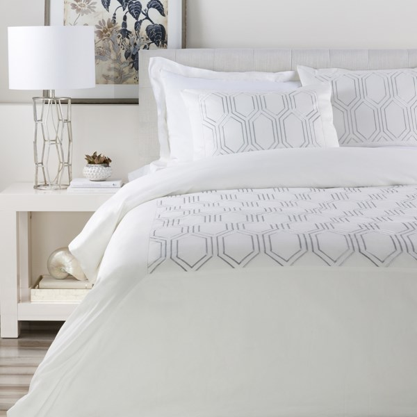 Empire Traditional White Fabric King Duvet (L 92 X W 108) EMR3000-K