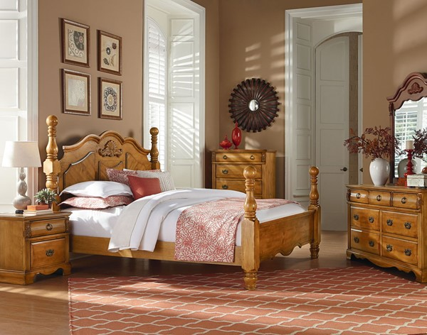 Georgetown Traditional Honey Pine Wood Master Bedroom Set STD-83001-BR