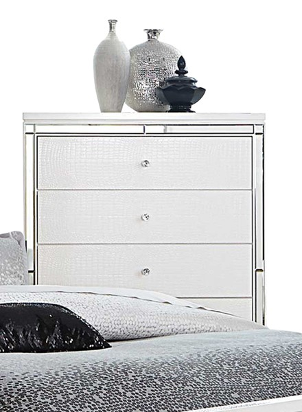 Alonza Standard White Wood Bedroom Drawer Chest HE-1845-9