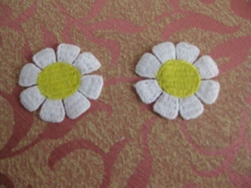 Daisy Lace Craft Trim Color White With Yellow Center Lace