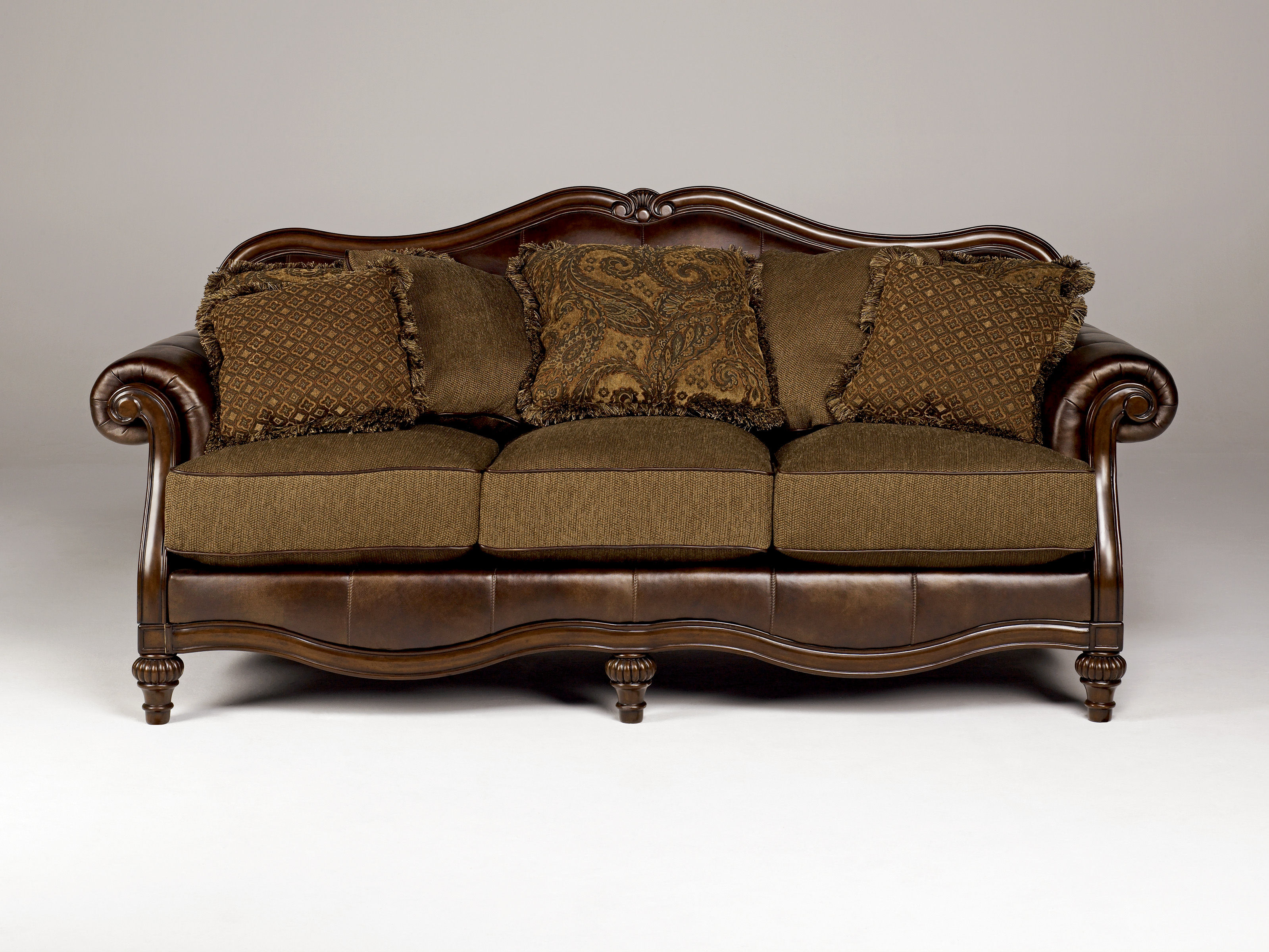 antique wooden sofa Radkahair