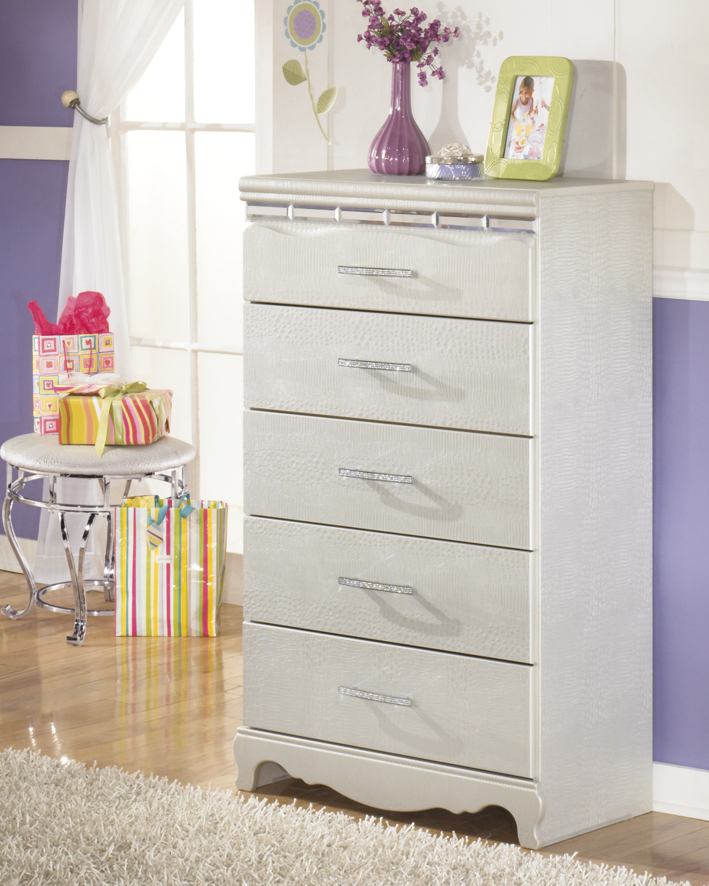 Ordinaire Ashley Furniture Zarollina Silver Chest Click To Enlarge ...