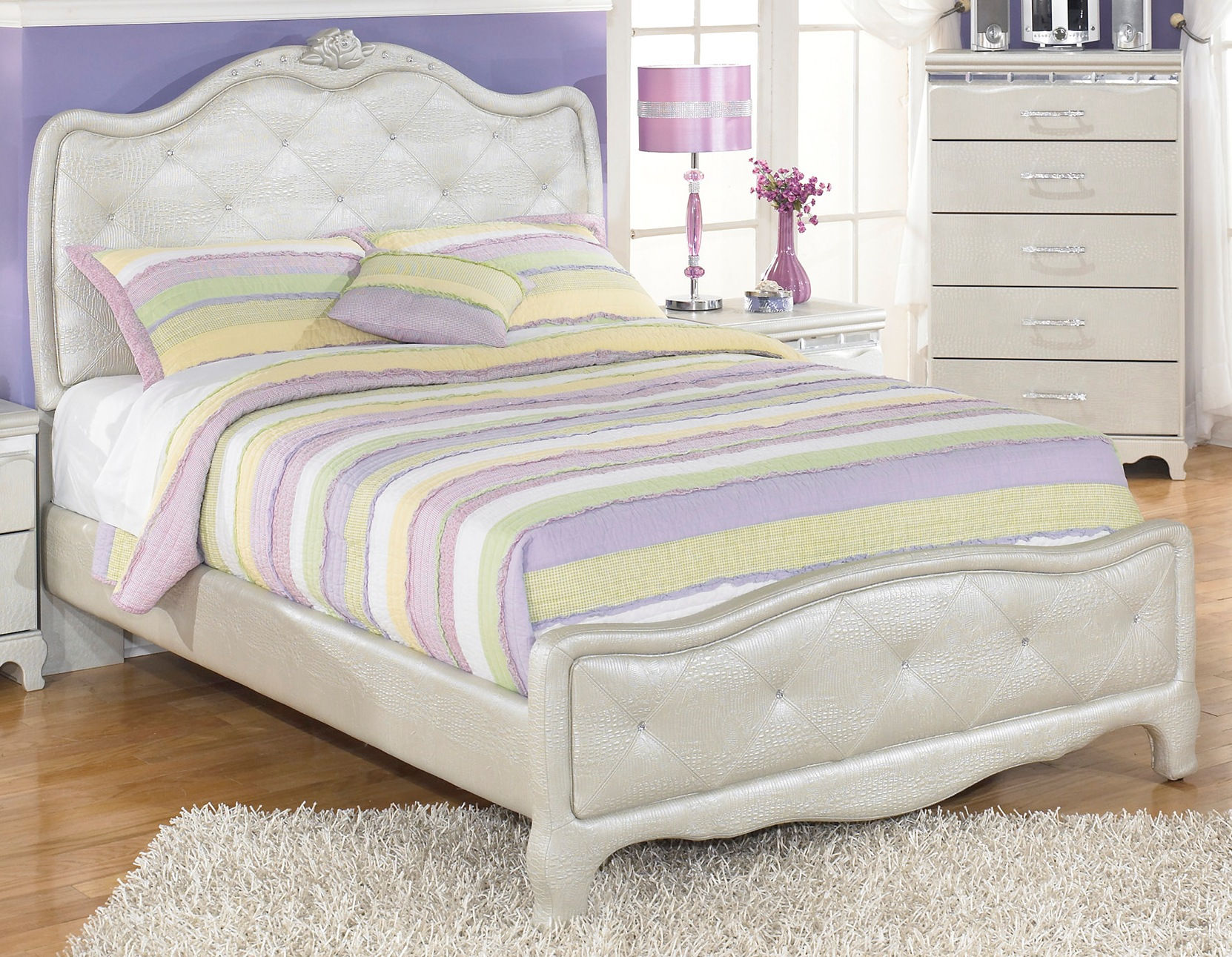 Ashley Furniture Zarollina Silver Full Bed Click To Enlarge ...