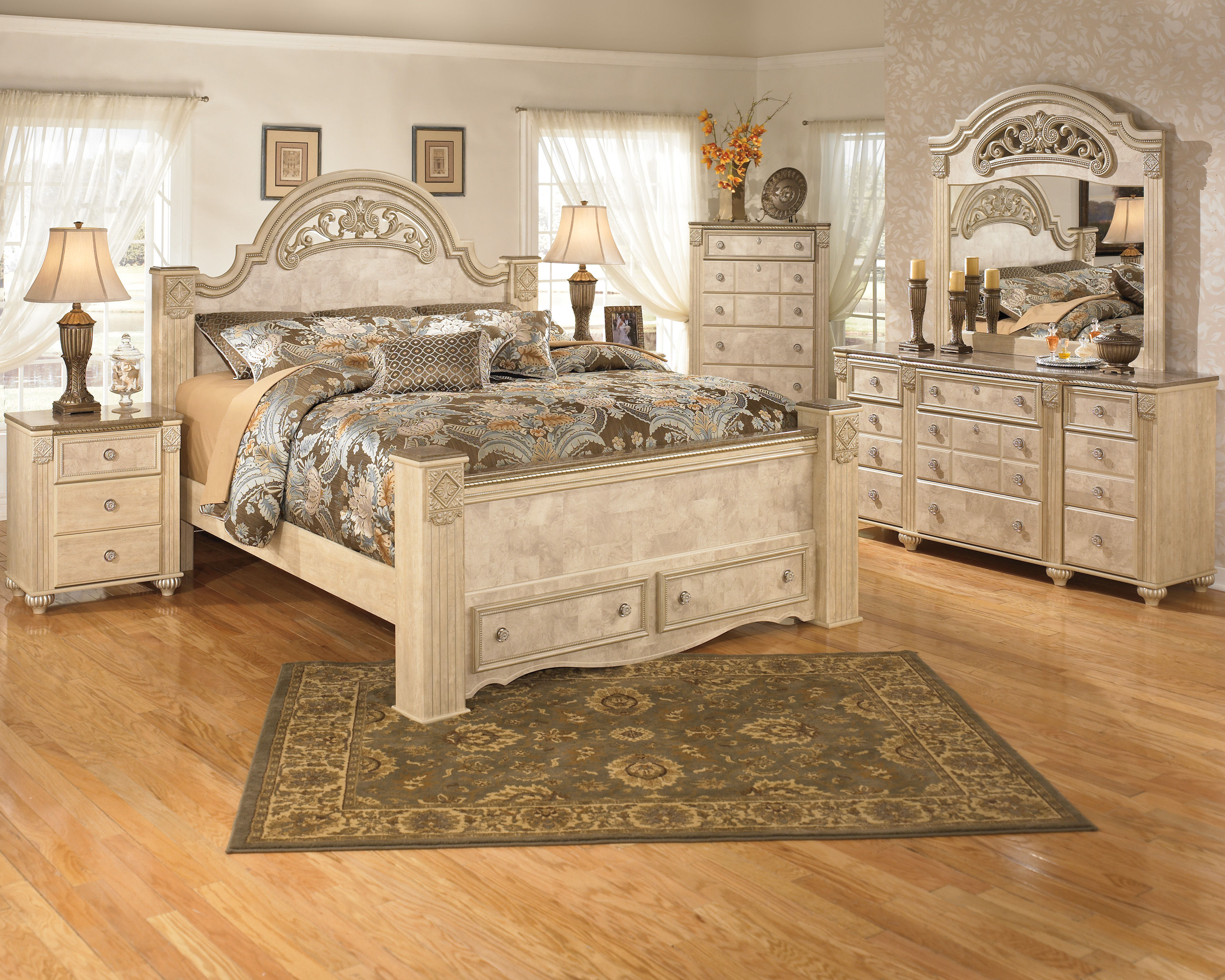 King poster bed set -  Set W King Poster Storage Bed Click To Love Itclick To Enlargeclick To Enlarge