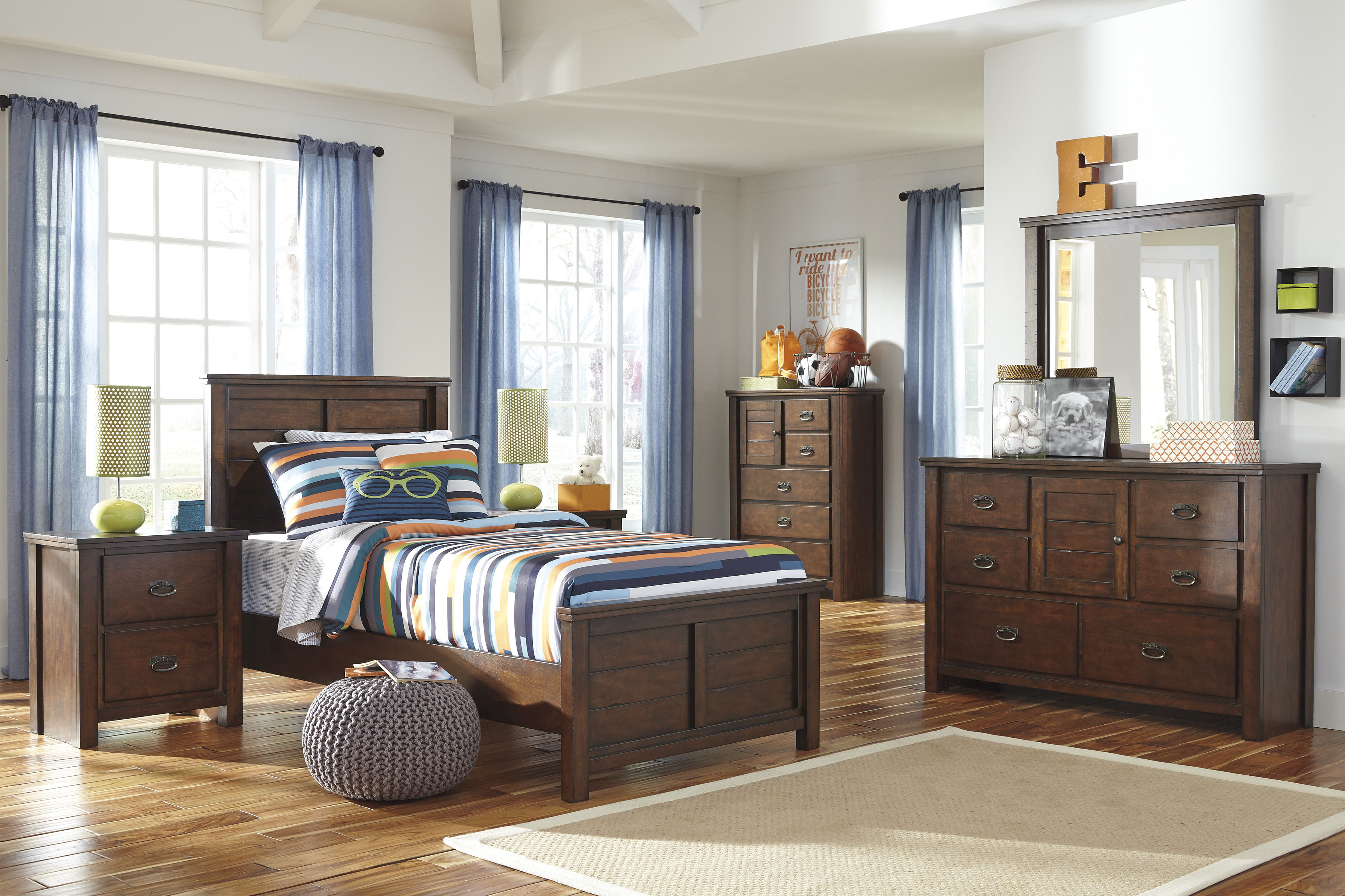 Ashley Furniture Ladiville 2pc Kids Bedroom Set With Twin