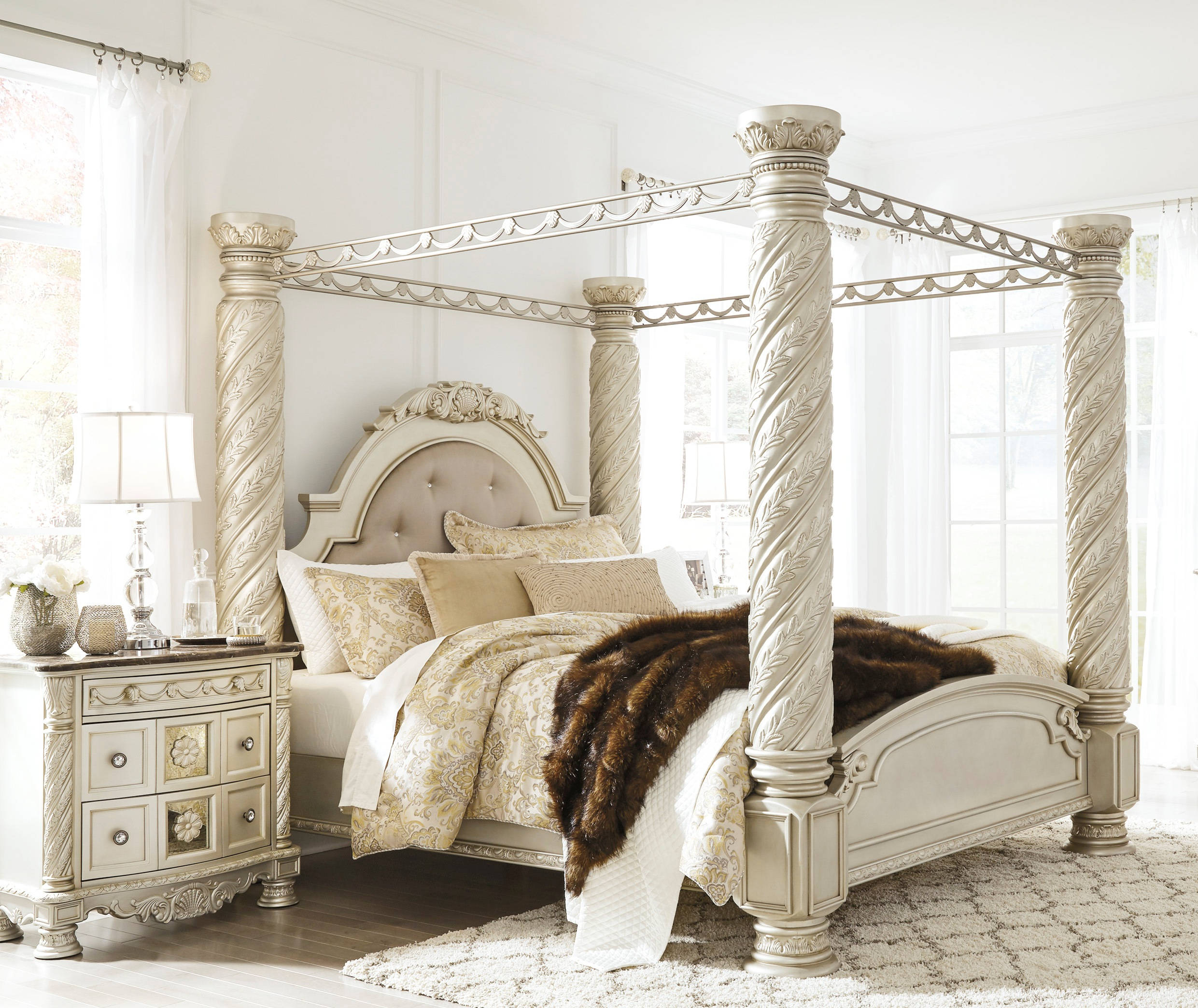 Ashley Furniture Discontinued: Ashley Furniture Cassimore 2pc Bedroom Set With King