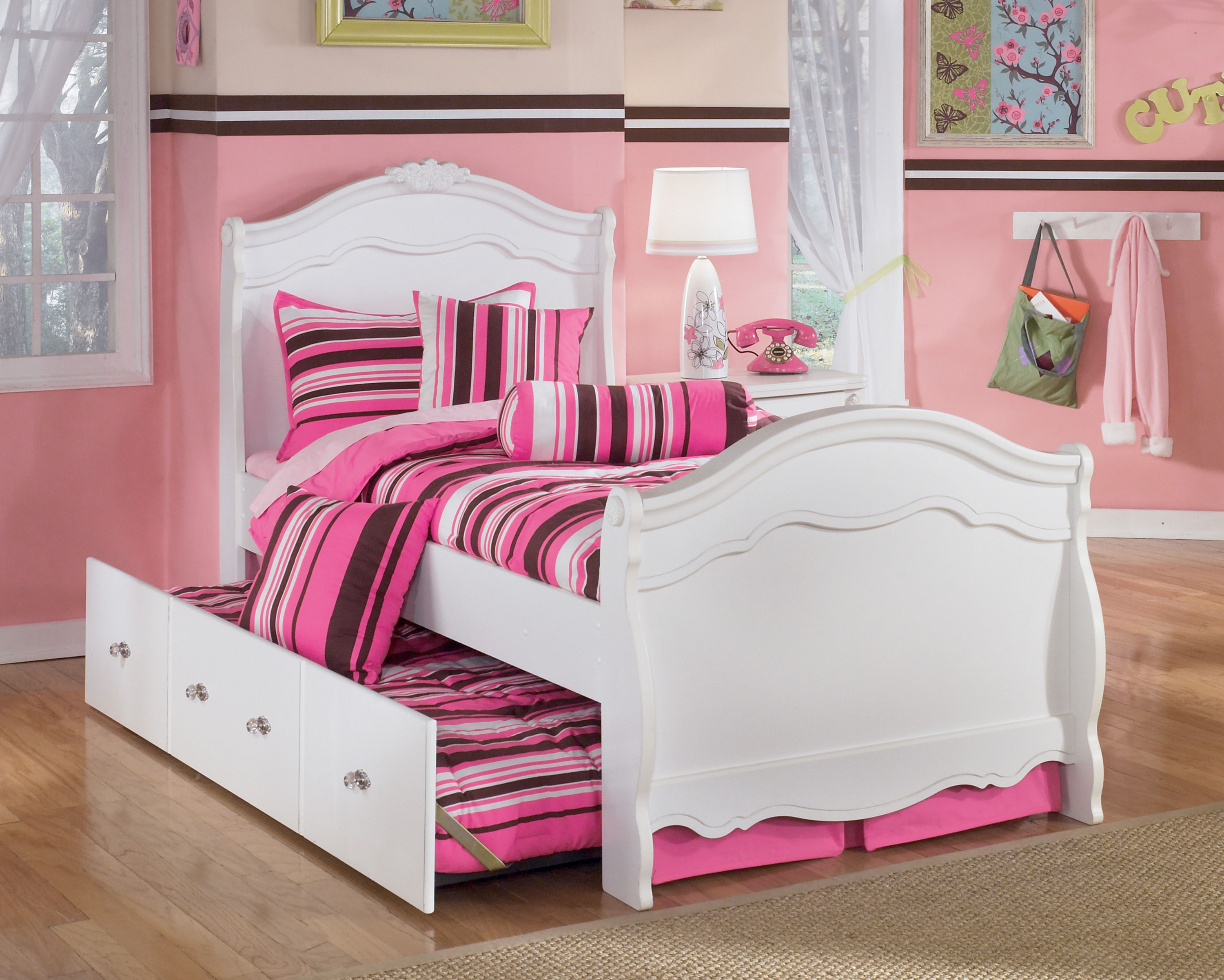 Ashley Furniture Exquisite Luminous White Twin Trundle Bed | The