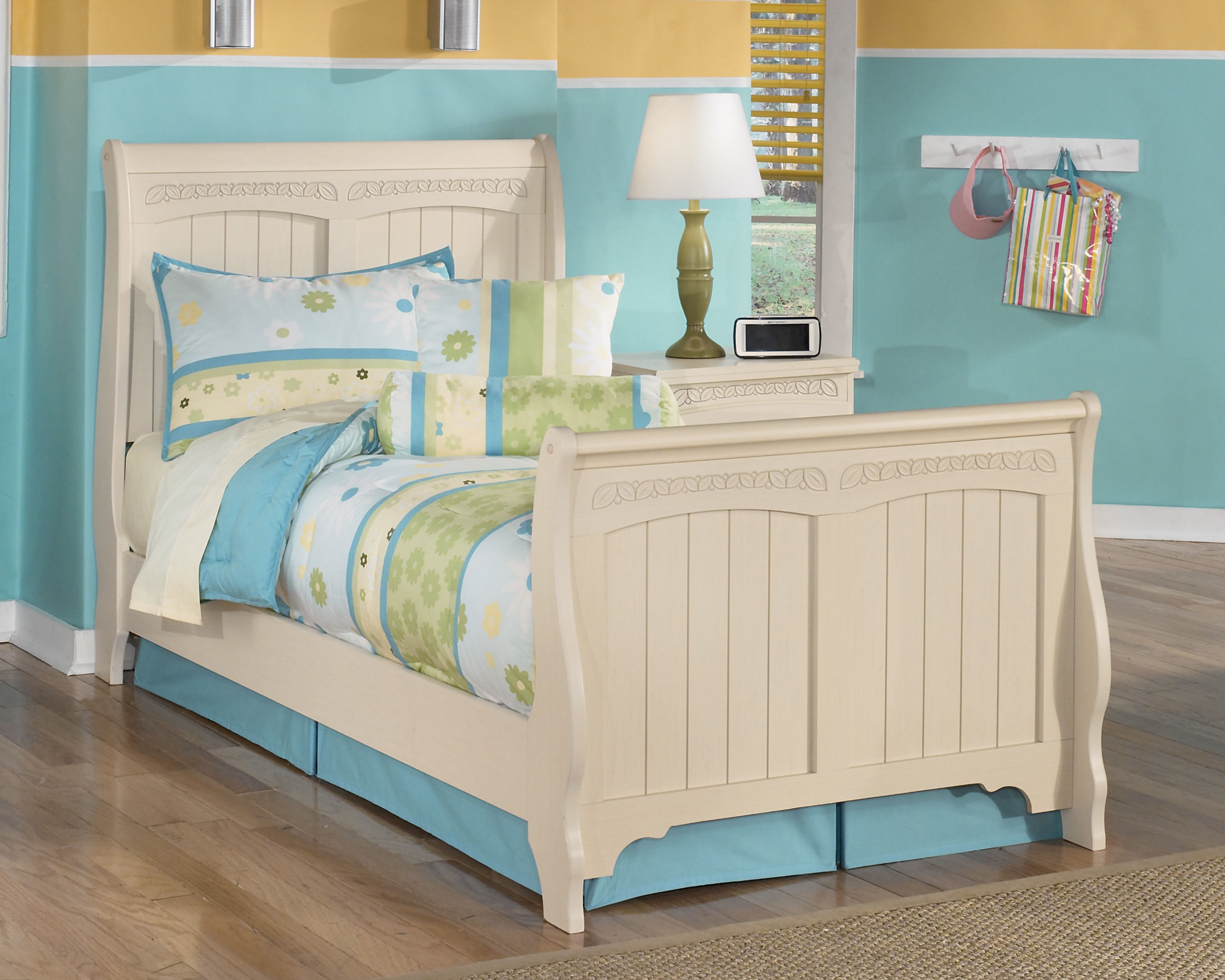 Ashley Furniture Cottage Retreat Twin Sleigh Bed The