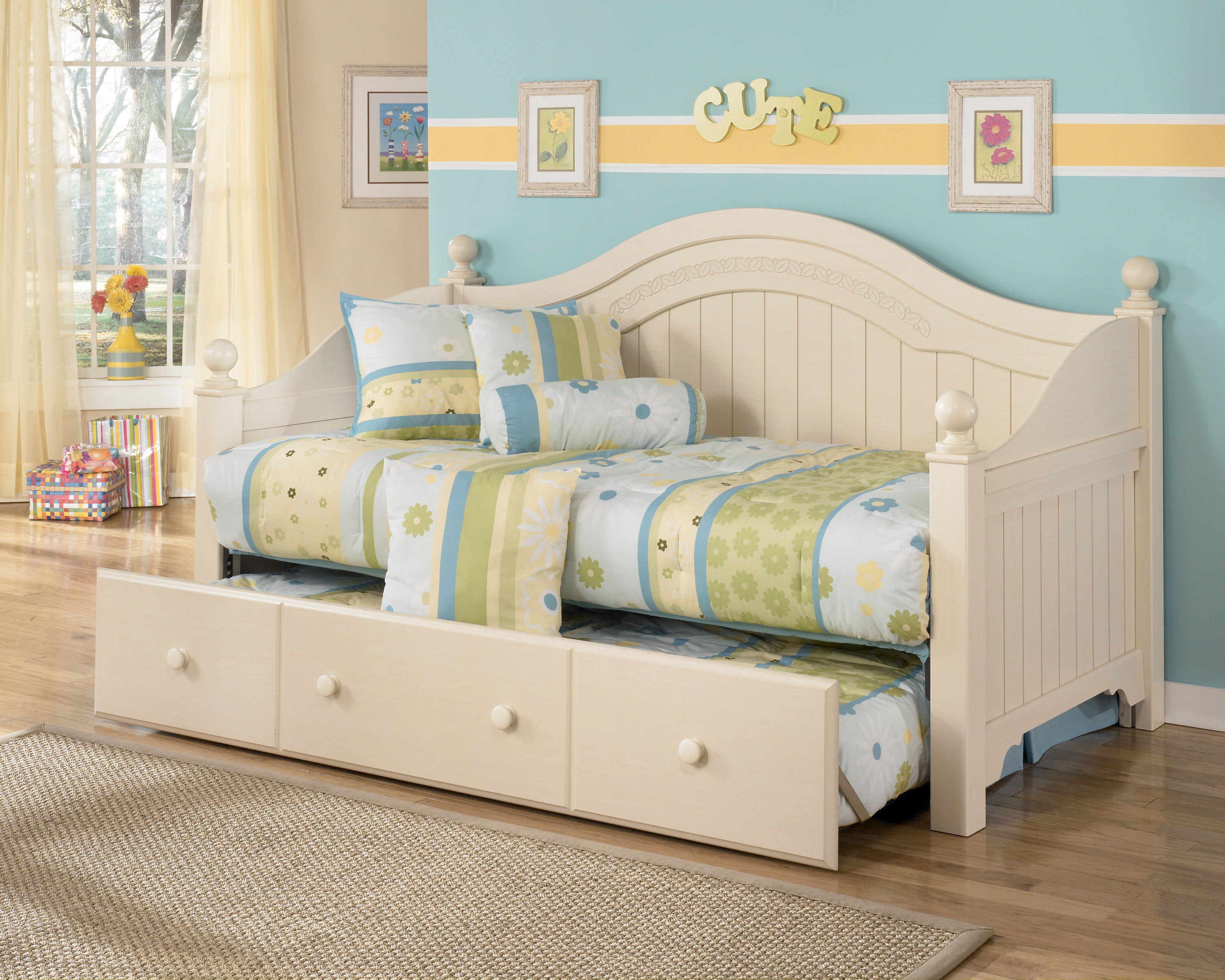 Ashley Furniture Cottage Retreat Day Bed with Trundle | The Classy