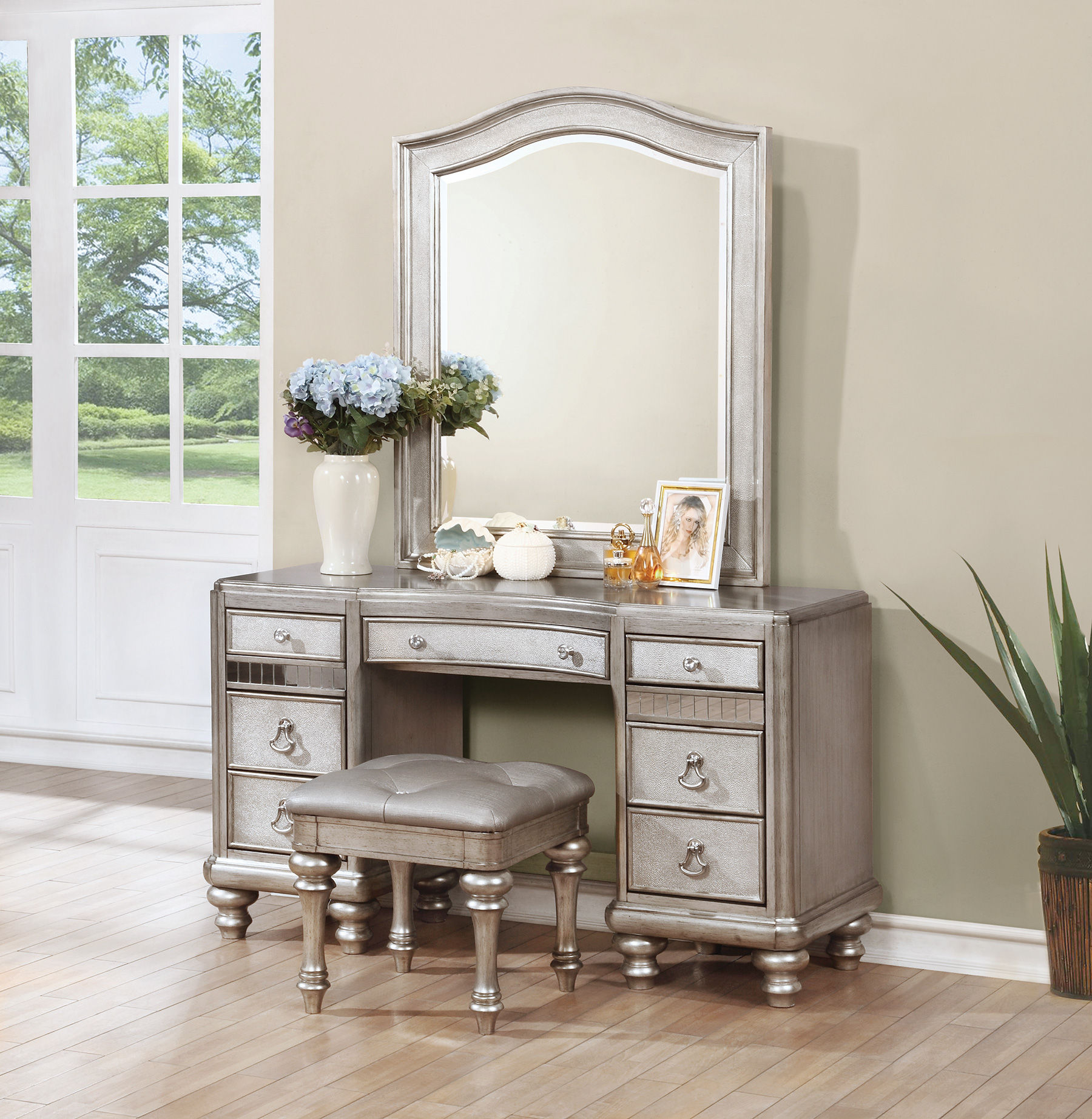 Vanity Desk With Mirror Click To Enlarge