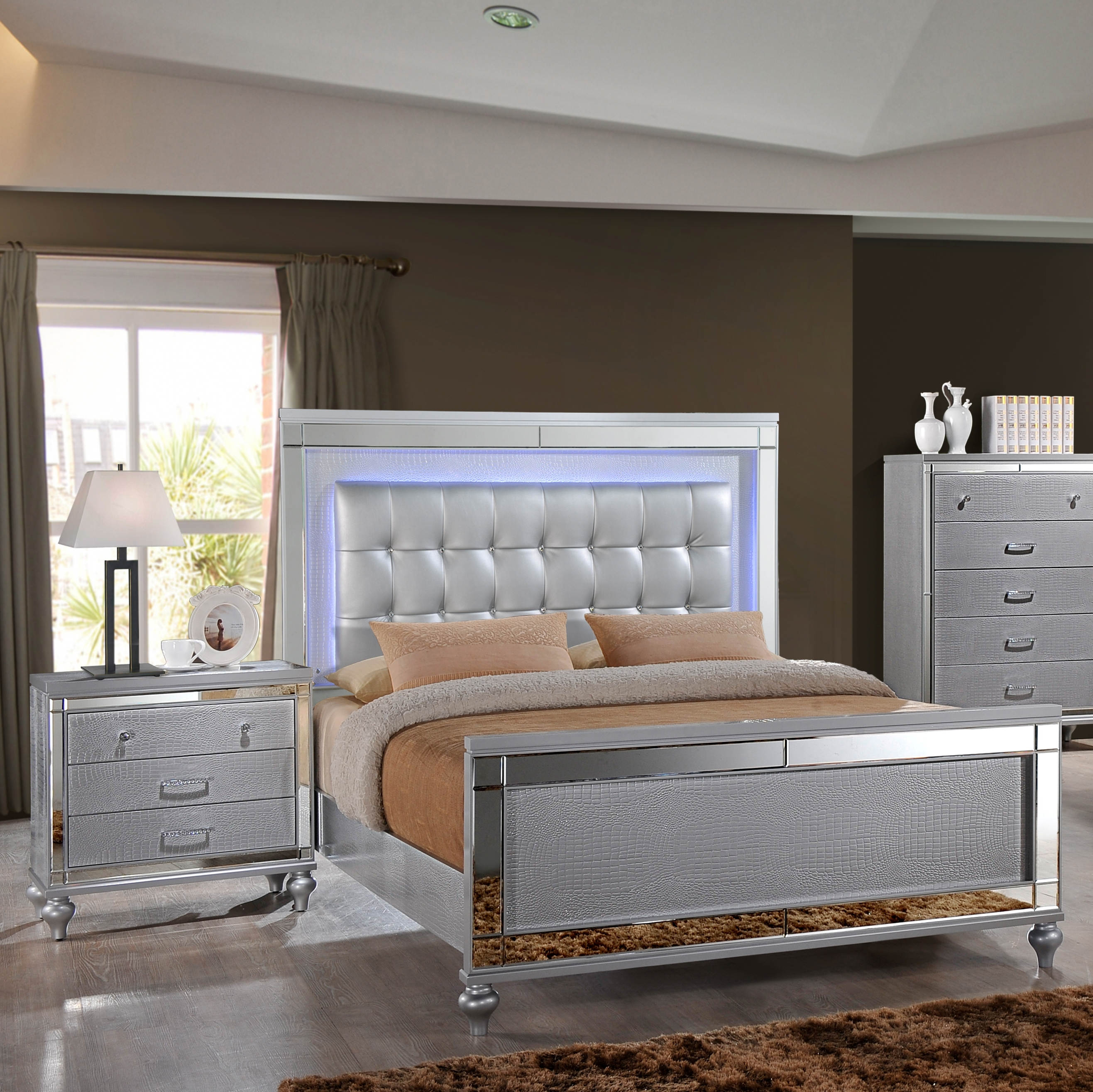 New Classic Furniture Valentino Silver 2pc Bedroom Set