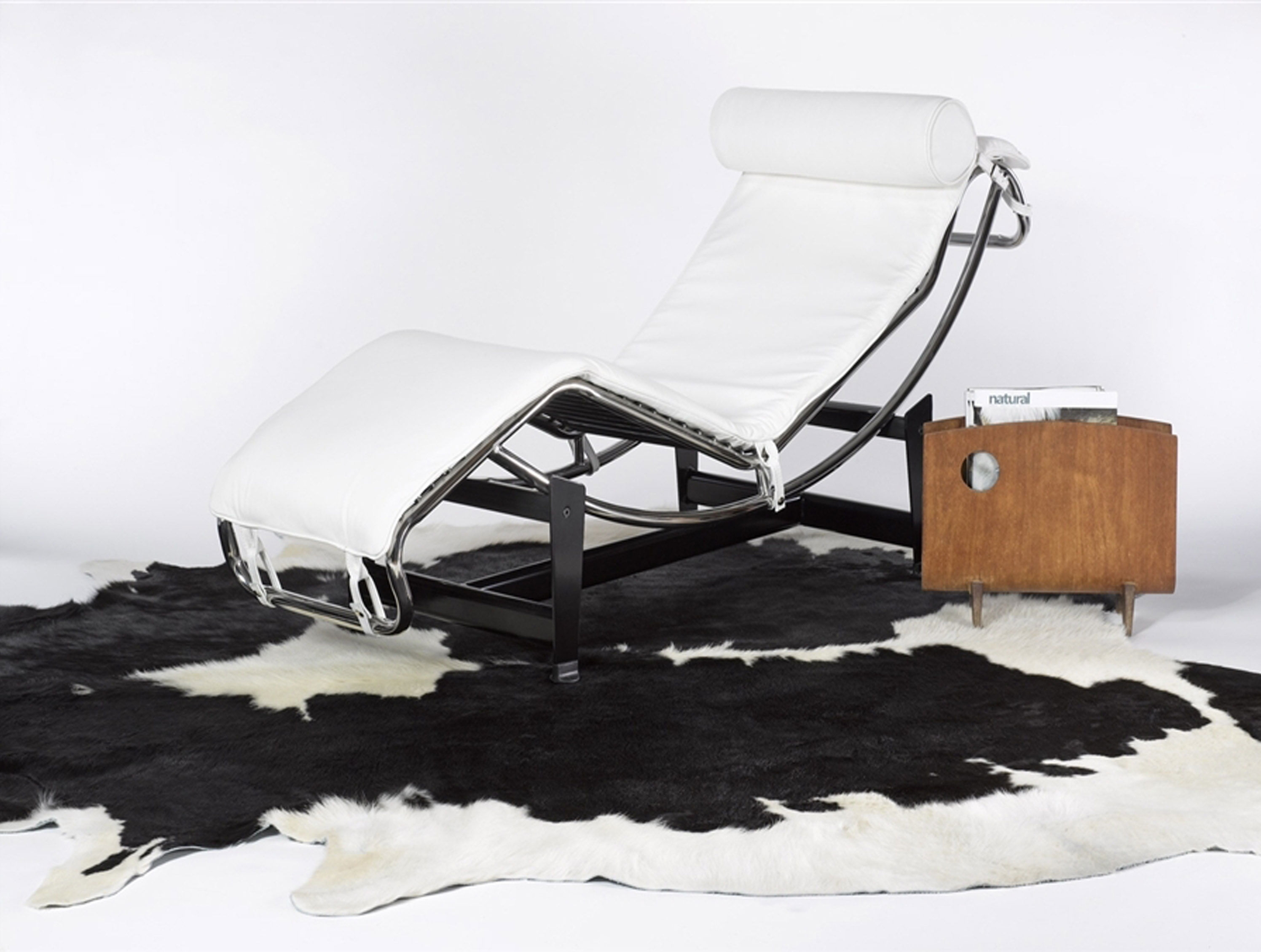 Homeroots Black White 5 X 7 Cowhide Rug The Classy Home