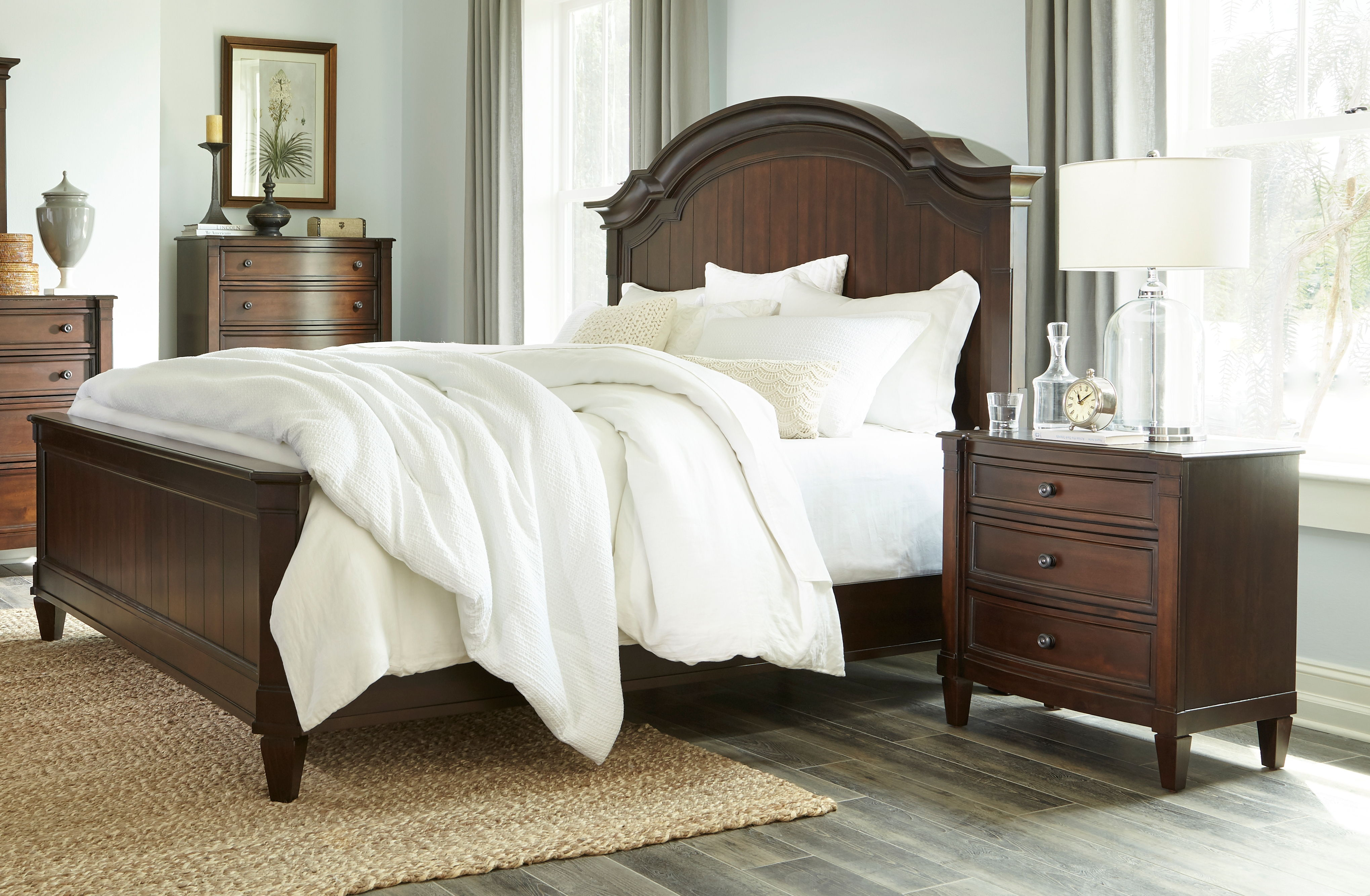 Standard Furniture Mallory Cherry 2pc Bedroom Set with Queen Bed