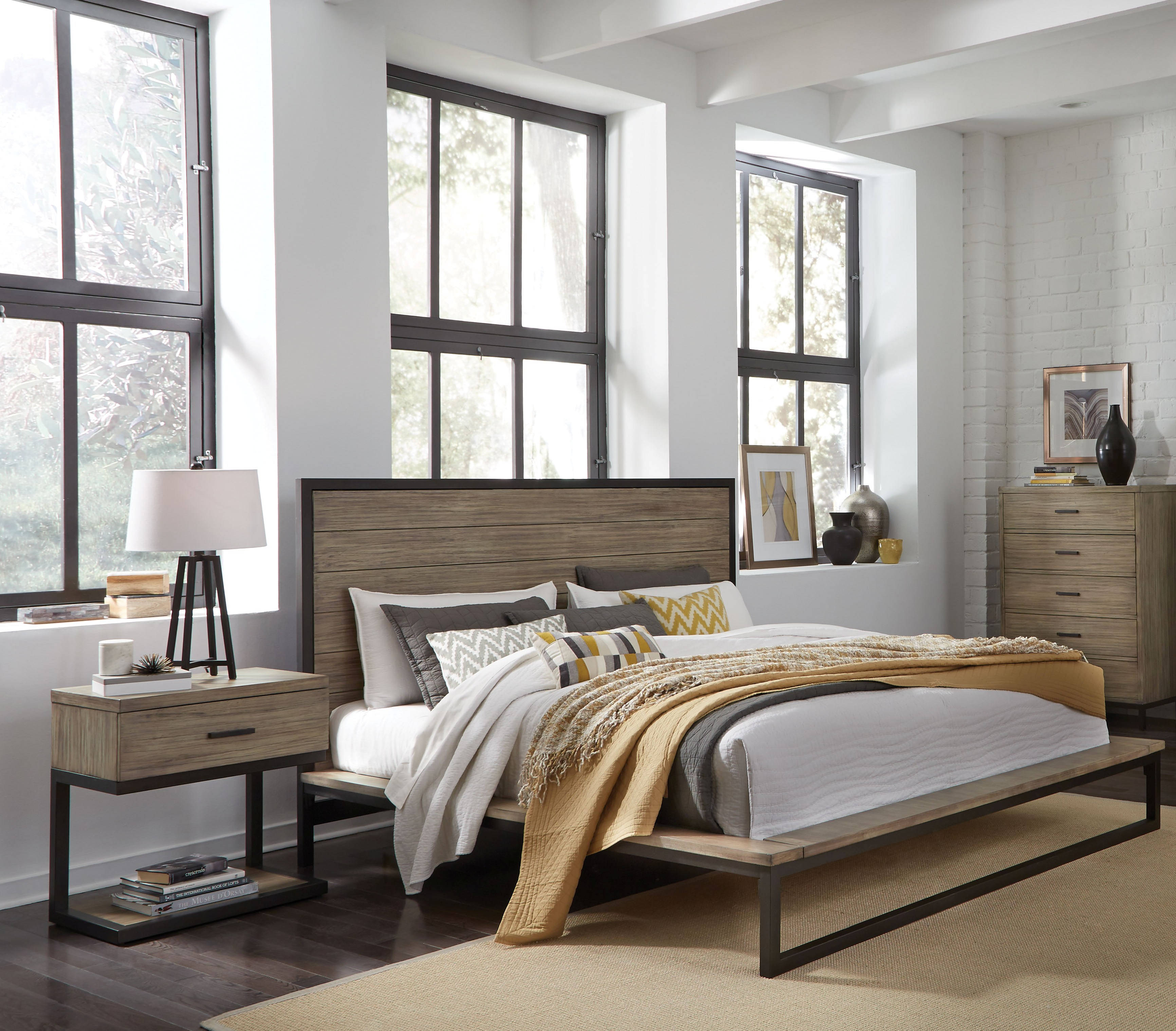 Standard Furniture Edgewood 2pc Bedroom Set with King Platform Bed