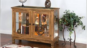 China and Curio Cabinets