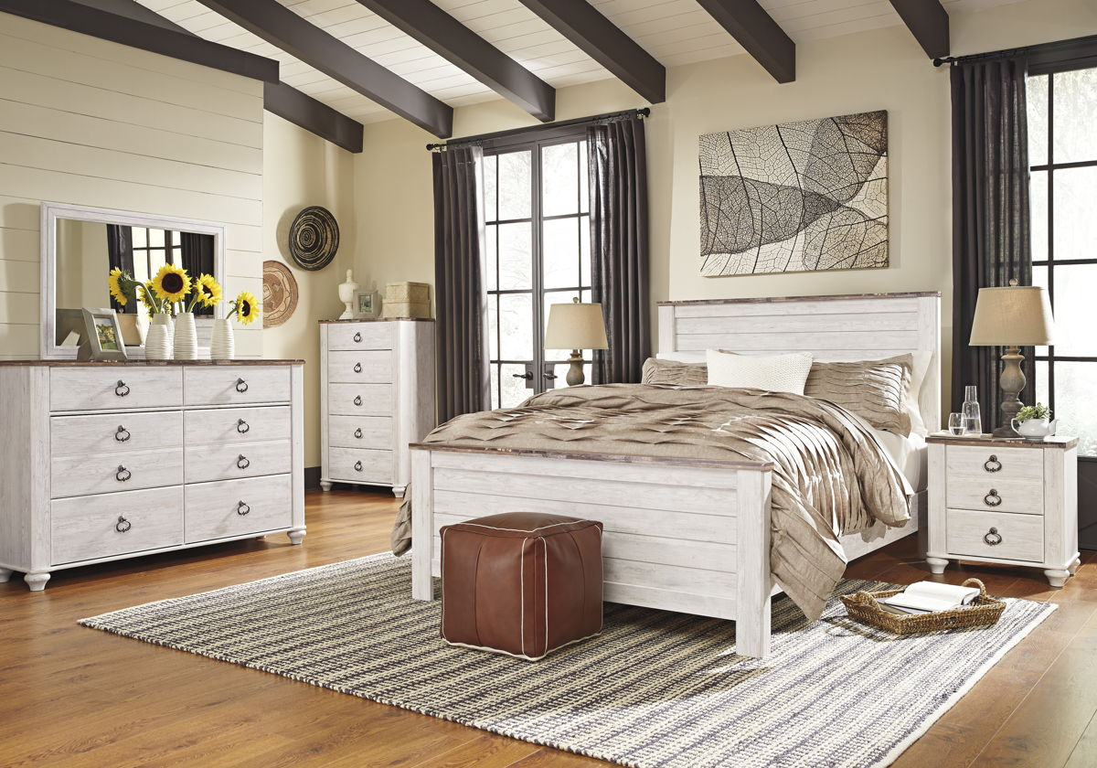Willowton Casual Whitewash Wood Glass 5pc Bedroom Set W/King Panel Bed B267-BR-S5