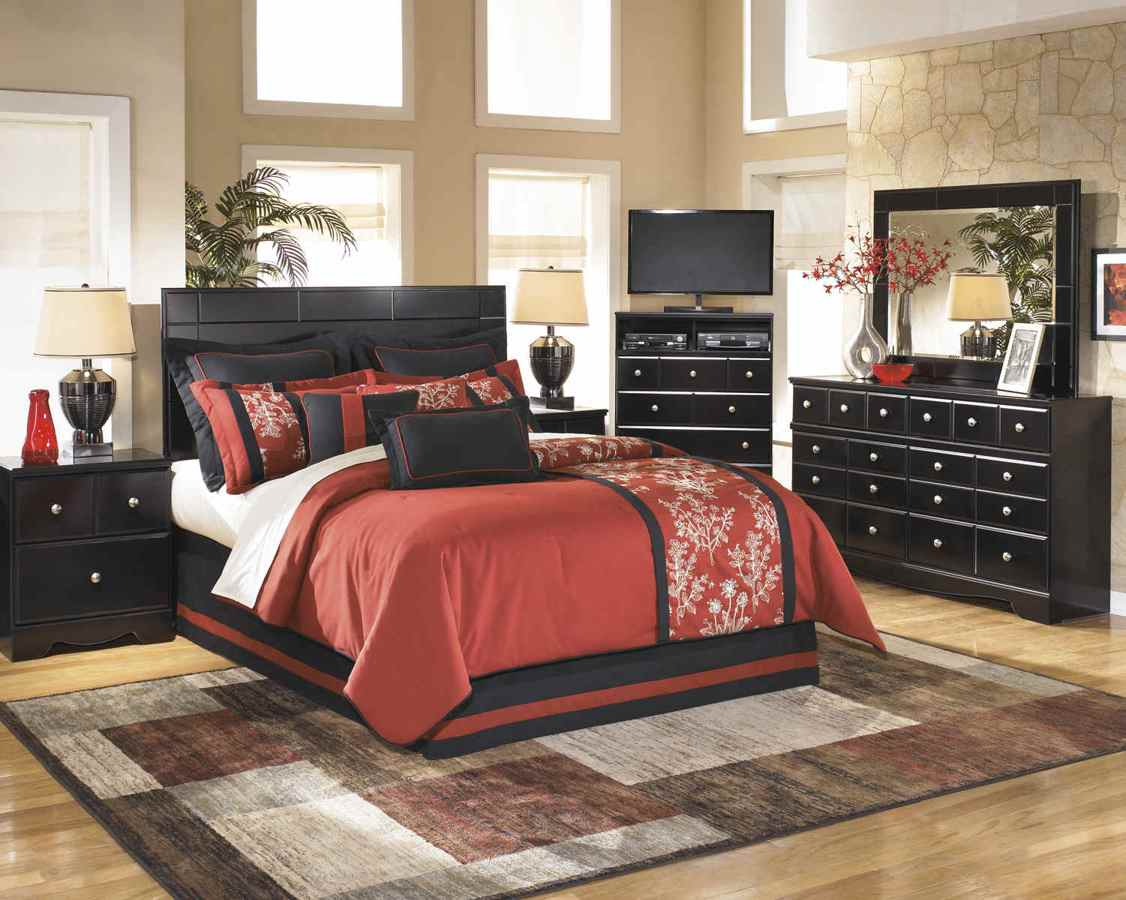 Ashley Furniture Shay 2pc Bedroom Set with Queen Full Headboard